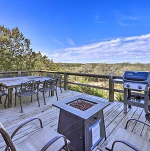 Hill Country Escape With Hot Tub, 3 Mi To Dtwn! photos Exterior
