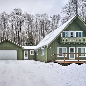 Cozy Cottage With Hot Tub Access, Walk To Lake! photos Exterior