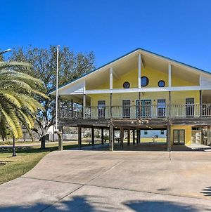 Seabrook Retreat With Deck Walk To The Beach! photos Exterior