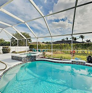 Corner-Lot Paradise - Heated Pool, Spa & Fire Pit Home photos Exterior