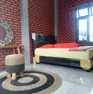 Kurnia Homestay photos Exterior