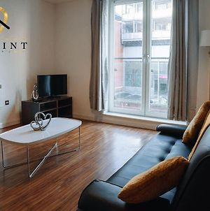 Onpoint Apartments - Central 2 Bed Apartment - Free Parking! photos Exterior