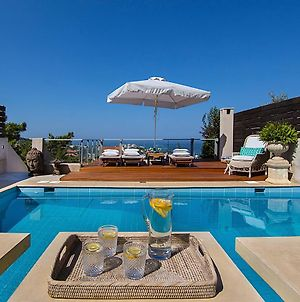 Private Pool & Sea View Residence photos Exterior