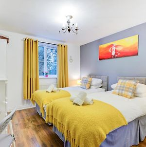 Comfortable Gf Apartment Sleeps 4-6 Great For Contractors With Private Parking By Sussex Short Lets photos Exterior