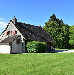 Authentic House On Large Estate In Rural Saint-Maurice-Sur-Aveyron photos Exterior