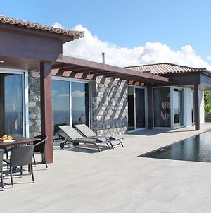 Spectacular Calheta Villa Villa Cliffscape 3 Bedrooms Panoramic Sea Views Well-Furnished In photos Exterior