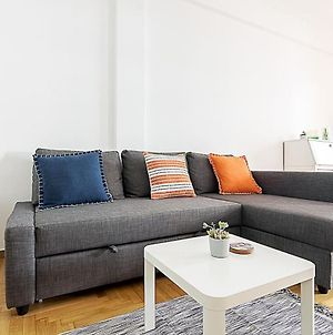 Spacious Two Bedroom Apartment In Central Location photos Exterior
