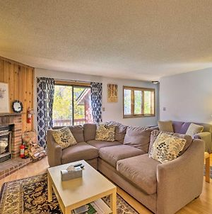 Primely Located Pad With View Less Than 1 Mi To Mt Snow photos Exterior