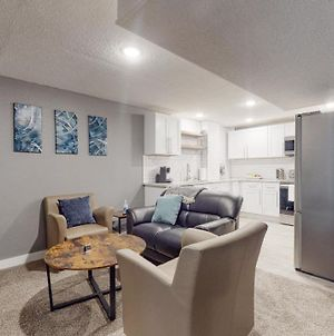 Artsy Lower Level 2 Bedroom Unit With King Beds photos Exterior
