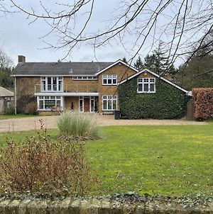 Stunning Oxfordshire 5 Bedroom House In 2 Acres photos Exterior