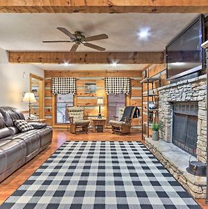 Country Cabin With Hot Tub, 12 Mi To Dollywood! photos Exterior