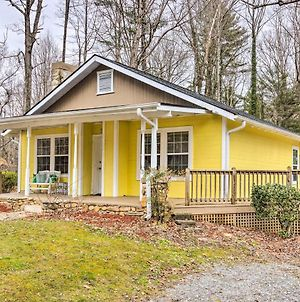 Charming Hendersonville Home 1 Mi To Main St! photos Exterior