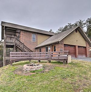 Pet-Friendly Retreat With Game Room And Mtn Views photos Exterior