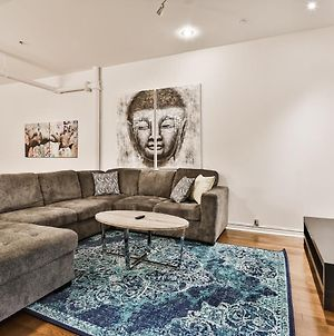 Best Location In The City ~ 2 Free Parking Spots~ Metro photos Exterior