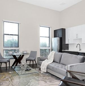 1 Bedroom Midtown Suite With Self Check-In & Free Parking** photos Exterior