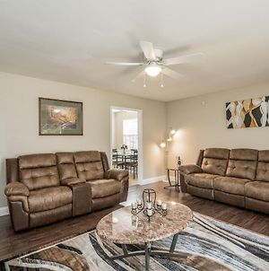 Grill, Relax, Or Play At Home Away From Home. 8 + Guest Can Stay photos Exterior