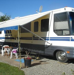 American Motorhome With All The Home Comforts photos Exterior