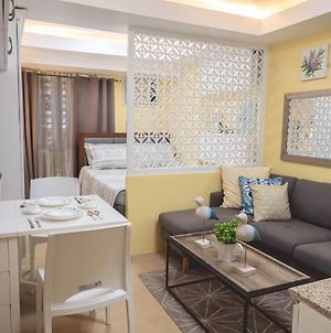 At18 60Mbps Of Internet Speed, Queen Bed At Cebu Itpark Close To Central Bloc Mall photos Exterior