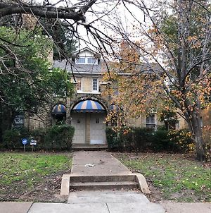 5 Mins To Downtown. 950 Sf Entire1B-1B Heart Of Oaklawn, 75219.Sleeps 6. photos Exterior