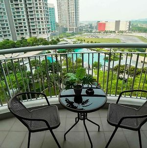 Tropical Condo With Dope View In Puteri Harbour photos Exterior