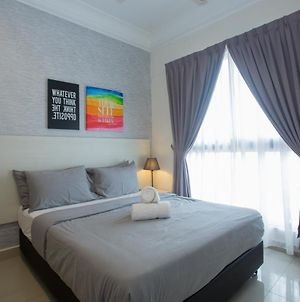 Opposite R And F Mall, Nearby City Square And Jb Ciq 1-5Pax photos Exterior