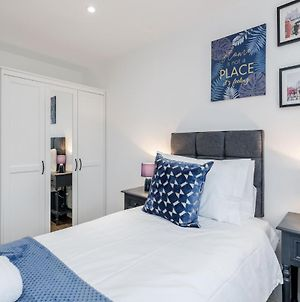 Watford Town Centre, Serviced One Bed Flat With Choice Of King Or Twin Beds, Sleeps Up To 4 Sharing, Free Wifi And Free Movies photos Exterior