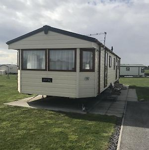 Delta Bromley Deluxe Luxury 4 Bed, 6 Berth Static Caravan photos Exterior