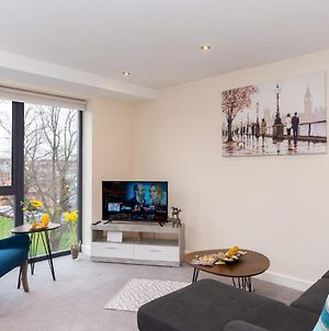 Luxury York City Centre Apartment With Free Gated Parking photos Exterior