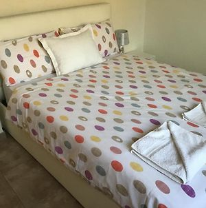 Double Room With Shared Bathroom And Shared Communal Areas R4 photos Exterior