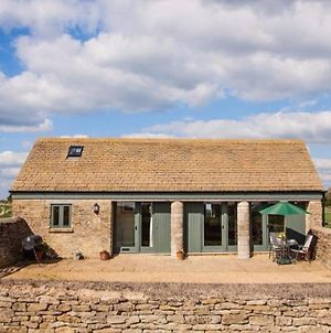 Secluded Romantic Cotswolds Barn - Sleeps 2 To 4 - Near Cirencester - Dog Friendly photos Exterior