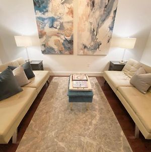 5Th Ave Nyc Palace 5 Beds And 2 Baths photos Exterior