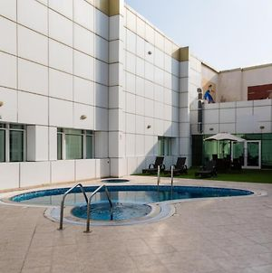 One Bedroom Apartment In The Lake City Tower, Jlt By Deluxe Holiday Homes photos Exterior