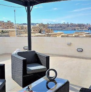 Valletta And Grand Harbour Lookout photos Exterior