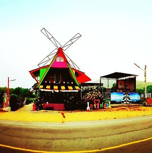 In Love Coffee & Resort Rayong photos Exterior