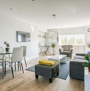 Luxury 3Bed-2Bath - Central London - Next To Tube Station photos Exterior