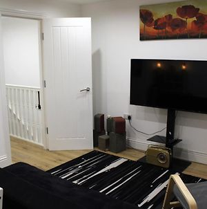 Modern 2 Bedroom Apartment In The Heart Of Greenwich photos Exterior
