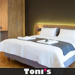 Toni'S Stylish Apartment With 2 Cosy Bedrooms photos Exterior