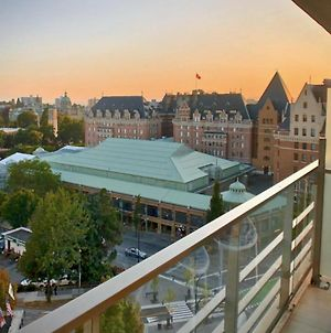 Spectacular Views Steps From The Inner Harbour photos Exterior