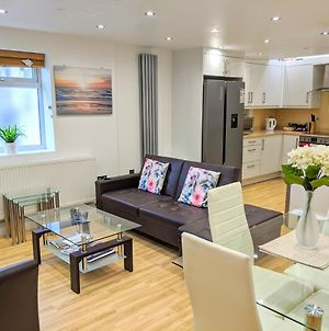 Spacious 2-Bed Apartment In Central Kingston Near Richmond Park photos Exterior