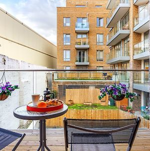 Canary Gateway Apartments By Squa.Re photos Exterior