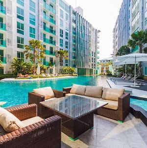 Luxury One Bedroom Condo With Pool View - City Center Residence Pattaya photos Exterior