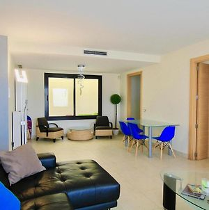 Luxury 2 Bed/2 Bath Sea And Mountain View Marbella Resort Apartment photos Exterior