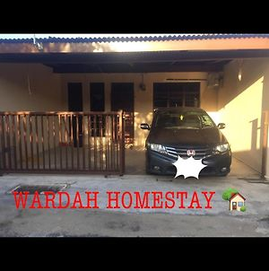 Wardah Homestay photos Exterior