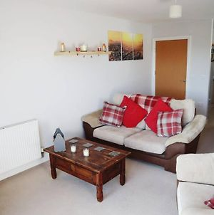 Quiet Space Next To Gatwick Airport And Town Centre photos Exterior
