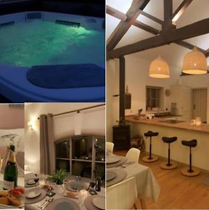 Stunning Barn Private Hot Tub Worcester & Malvern Sleeps 6 Plus Cot With Parking photos Exterior