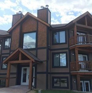 2 Bedroom Jacuzzi 6 Guests Radium Hot Springs Copper Horn Towne photos Exterior