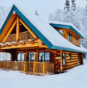 Northern Lights Log Home With Hot Tub photos Exterior