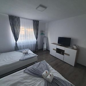 Apartament Roxi, 50 Meters From Salina Turda photos Exterior