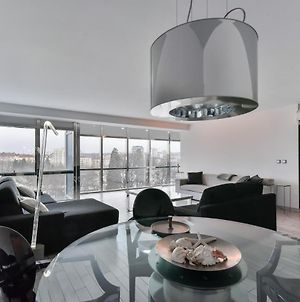 ✰ The View ✰ Stunning One-Bedroom Apartment photos Exterior