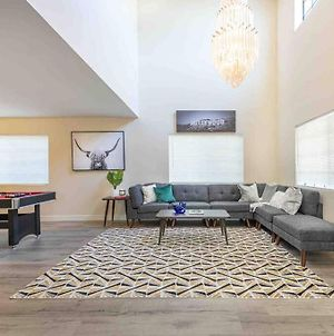 Modern Stylish Home * 8 Beds * Walk To Dt Alhambra photos Exterior